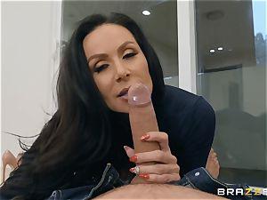 aged brunette hottie Kendra fervor railing dick