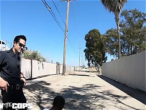 drill the Cops - white dame cop nailed by trio BBCs