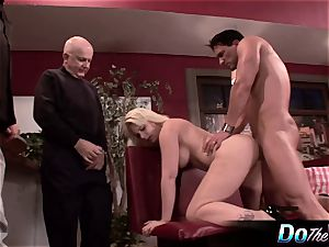 wifey gets analled in front of hubby