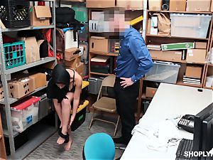 Ella Knox gets caught shoplifting and pays her debt with her facehole and puss