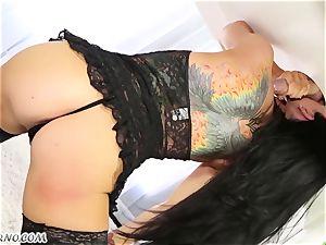 fabulous masseuse Romi Rain knows what you want