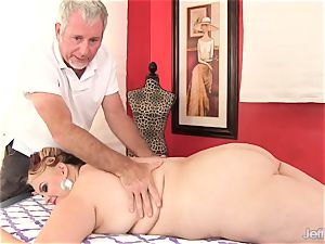 plus-size big-titted Bella gets a intercourse massage