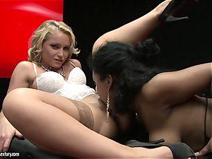 wondrous Kathia Nobili luvs finger boinking her partners tasty moist cooter slot