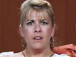 Newsreader Ariella Ferrera fucked on TV