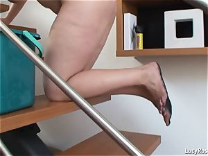 big-chested housewife Lucy Rose cleaning