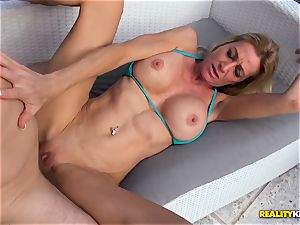 Ceira Roberts slit boinked by the poolside