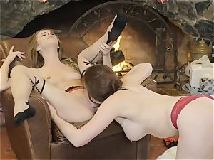 Xmas cootchie grinding action with Chanel Preston and Jillian Janson