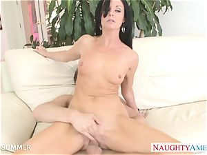 dark-haired India Summer gets cootchie romped
