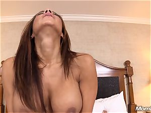 sizzling Latina amateur cougar very first timer