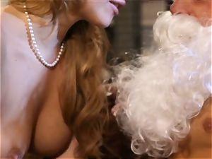 platinum-blonde Mia Malkova gets her Christmas present