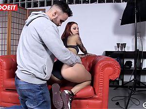 Spanish sex industry star seduces random man into hookup on webcam