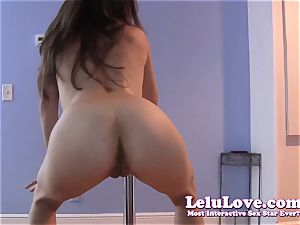 She poledances takes off naked then wiggles booty and opens up