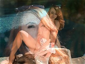 Kendra James dildoing her saucy honeypot by the pool