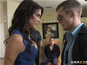Criminals wife Jessica Jaymes romped by a super hot cop