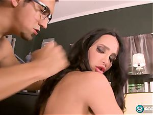 chesty Amy Anderssen headmistress operates its new worker