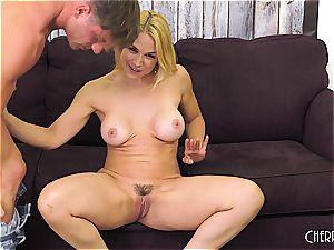 Sarah Vandella smashes on webcam and fucktoys her fuckbox to orgasm