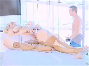 Roasting scorching platinum-blonde Sarah Vandella loves to boob fuck
