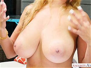 Sean Lawless finds molten cougar naked in the garden