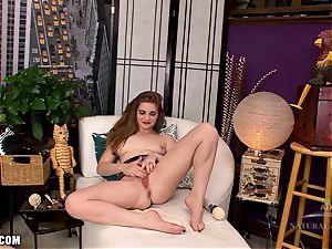 Misty Lovelace using the massager electro-hitachi